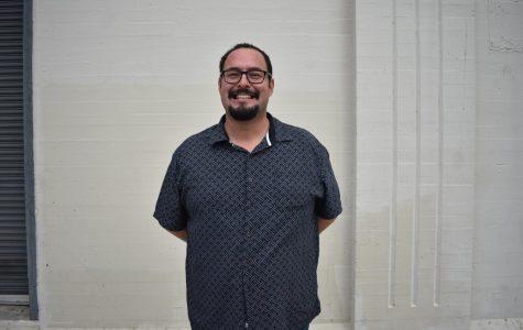 Ryan Ruelas es re-elegido como miembro de la junta escolar