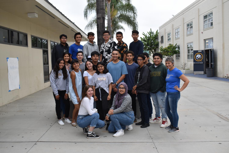 El equipo del noticiero Anaheim Exclusivo 2019-2020