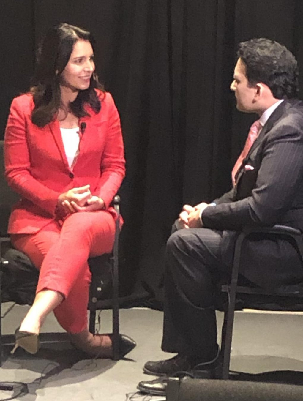 Tulsi Gabbard speakind with Indian-American Newtwork at the AAPI Presidential Conference