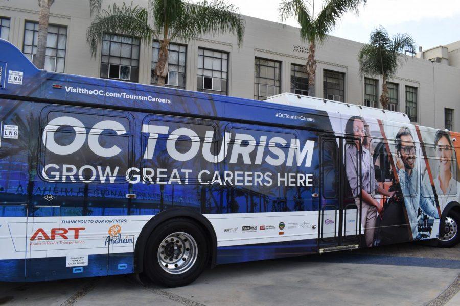 La empresa del turismo presenta oportunidades a los estudiantes del Condado de Orange
