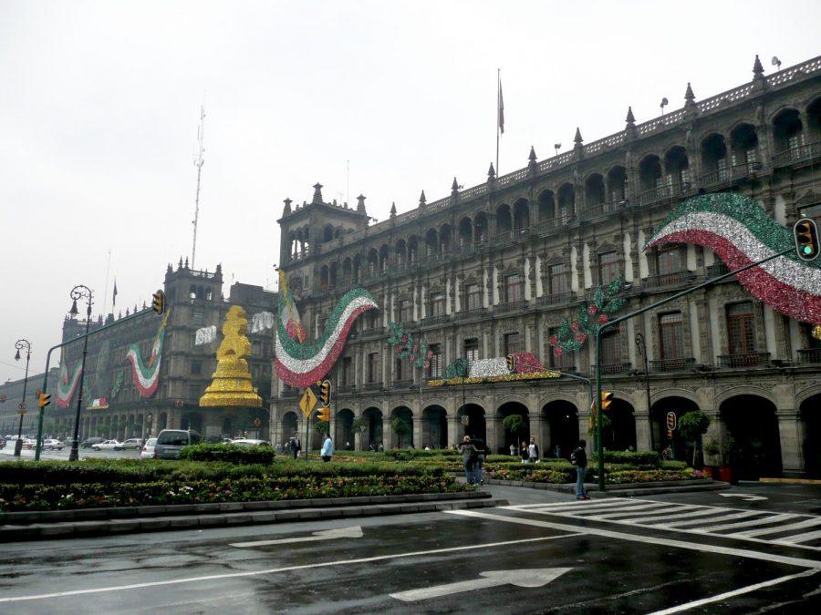 Las decoraciones son gran parte de las fiestas patrias.